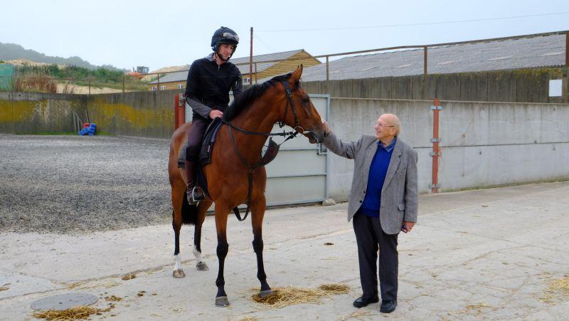 Len Harvey with his new horse Boolavard King; one share left