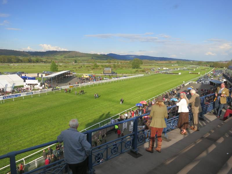 A stunning evening at Ludlow racecourse