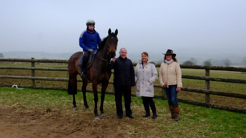 Gordon and Julie Farr and Nicky van Dijk with their new horse Kilty Caul