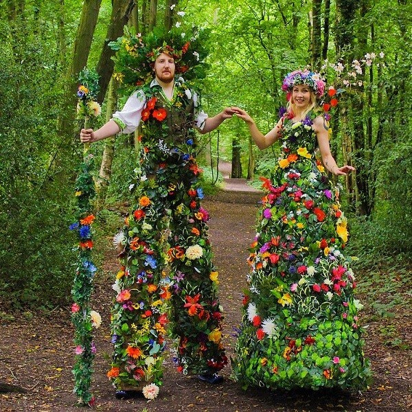 Human Flower Stilt walkers