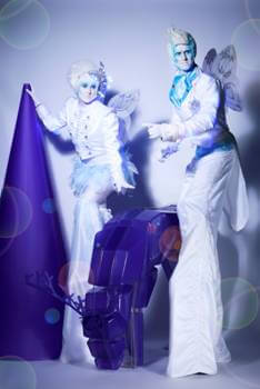 ICE ELVES STILT WALKERS