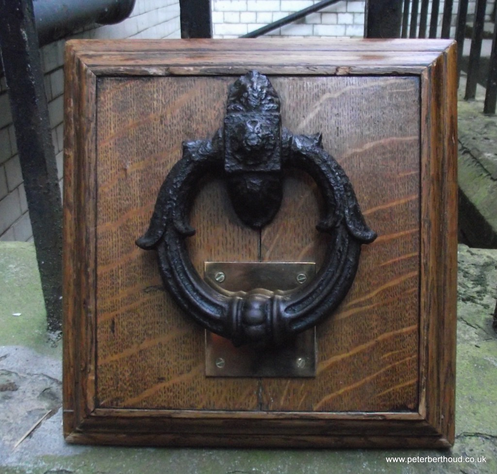 """As black as Newgate's knocker"" – The door knocker from the last Newgate Prison"