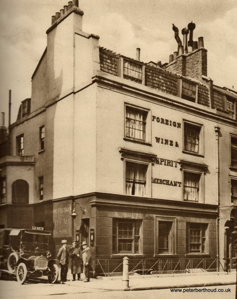 Vintage photos of London pubs 12