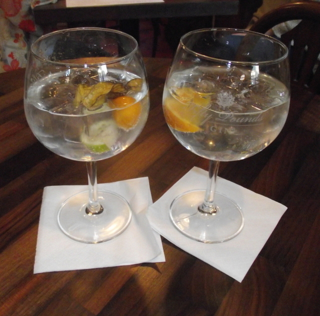 Perfect gin and tonics at the London Gin Club